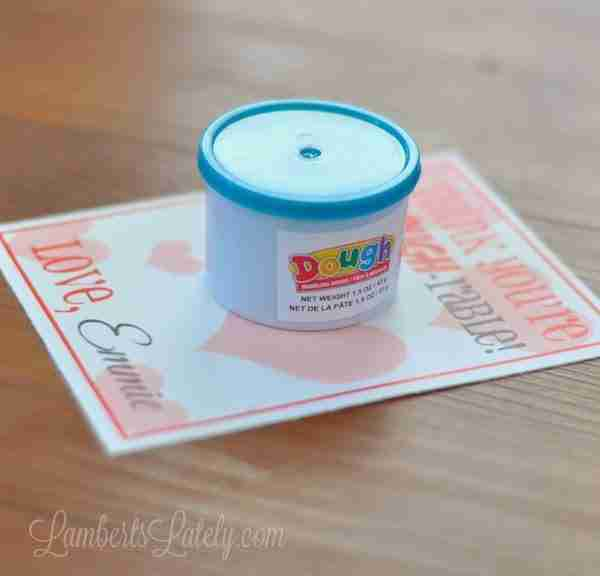 Free Printable Valentines for Play-Dough!